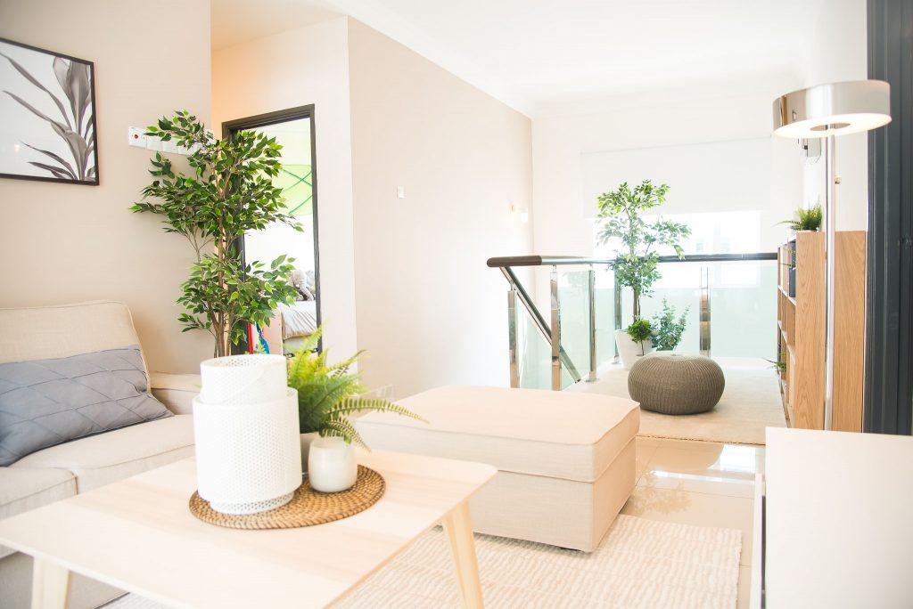 10-Living Area-min