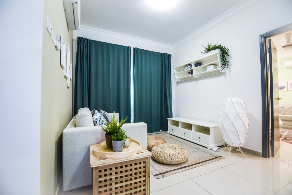 12- Living Area-min